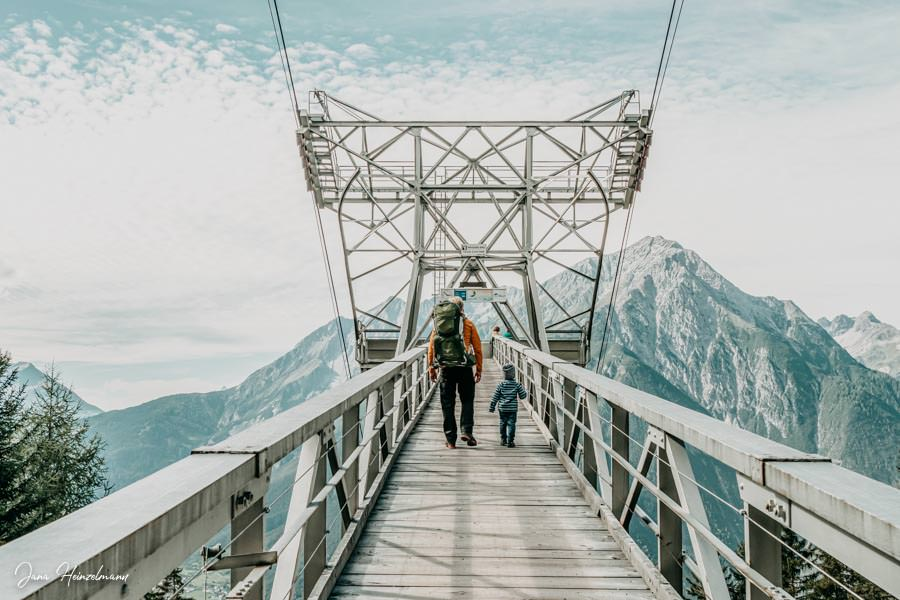 Zammer Alm Genusswanderung bei Zams in Tirol - Mittelstation Venetbahn