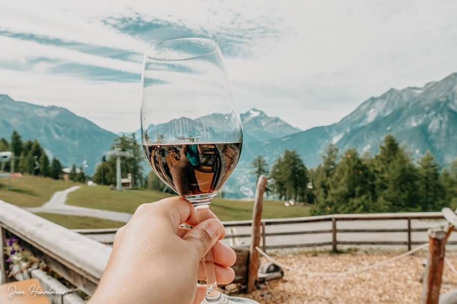 Zammer Alm Genusswanderung bei Zams in Tirol - Wein Zammer Alm
