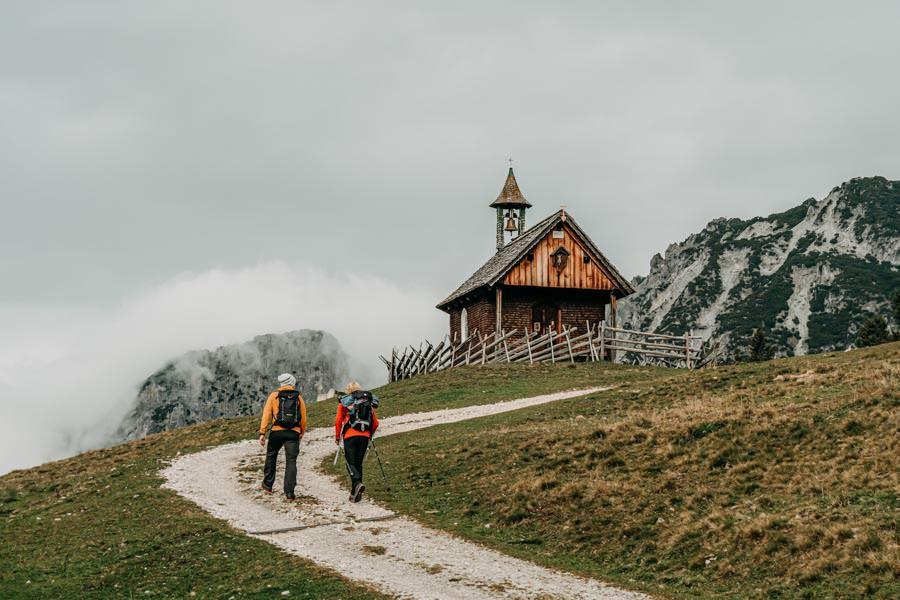 Gefuehrte Wanderungen - sinnvoll oder nicht - Wanderung zum Monteneu im Montafon Kappelle