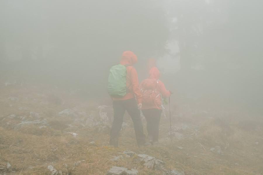 Gefuehrte Wanderungen - sinnvoll oder nicht - Wanderung zum Monteneu im Montafon Nebel