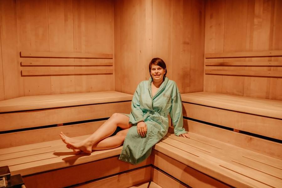 Hotel Freund - Edersee - Jana in der Sauna