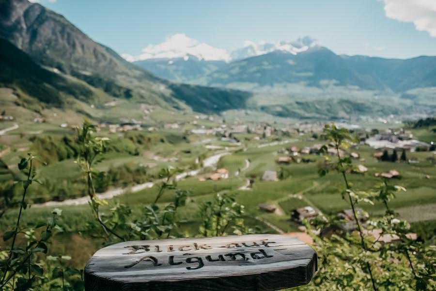 Fruehlingswanderungen - Wandern im Fruehling - Fruehlingswandern - Marlinger Waalweg