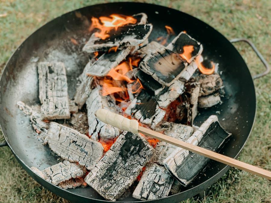 Stockbrot Rezept - Stockbrotteig selber machen - Feuer mit Stock