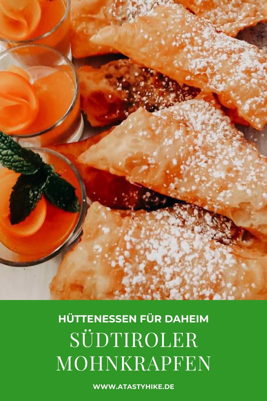 Südtirol Rezepte – In diesem Artikel zeigen wir dir, wie du Südtiroler Mohnkrapfen ganz einfach selbst machen kannst. Eine köstliche Südtiroler Spezialität, die dich direkt von den Bergen träumen lässt. Schau gerne auf unserem Blog vorbei, wenn du erfahren willst, wie du sie nachbacken kannst. #ATastyHike #Hüttenessen #Mohnkrapfen #SüdtirolRezepte