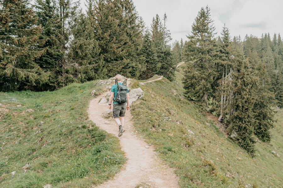 Rangiswanger Horn durch den Ostertal Tobel im Allgeau – Christian auf dem Kammweg