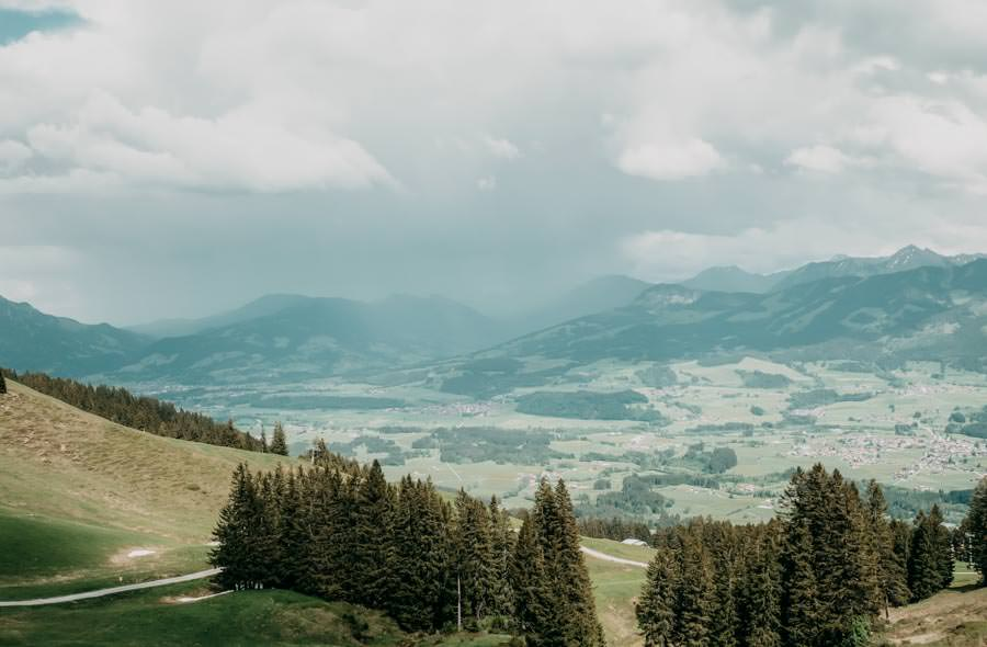 Wanderung Bolsterlanger Horn Allgaeu – Regenwolken