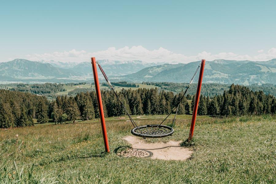 Wanderung Hauchenberg mit Alpkoenigblick im Allgaeu – Schaukel