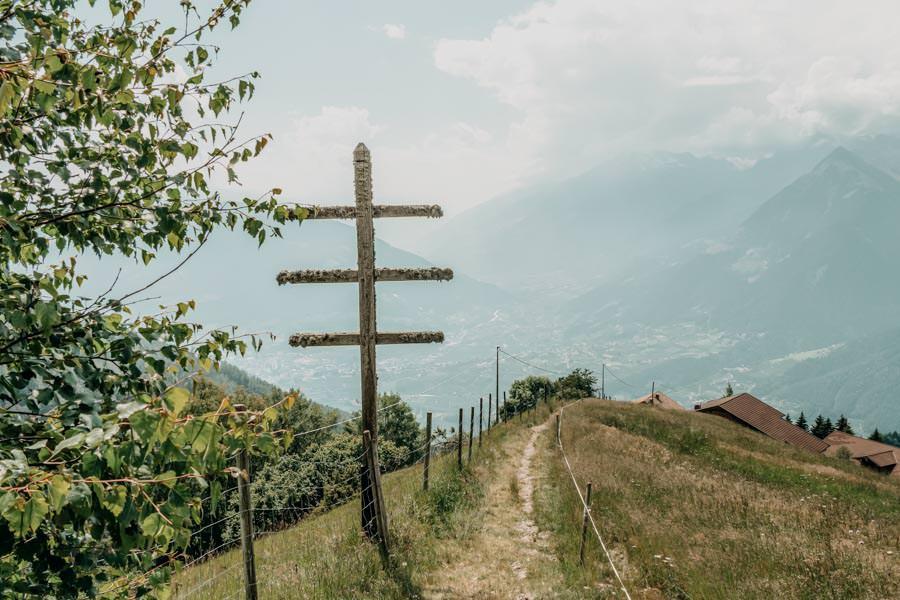 Wanderung zur Ifinger Huette in Suedtirol – Aussicht Meran
