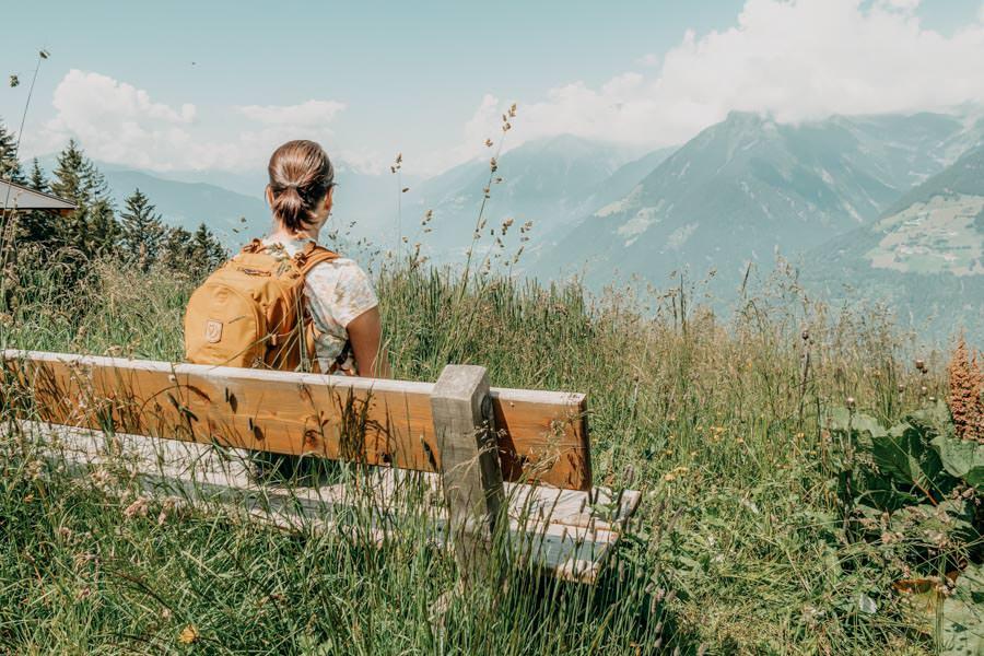 Wanderung zur Ifinger Huette in Suedtirol – Bank