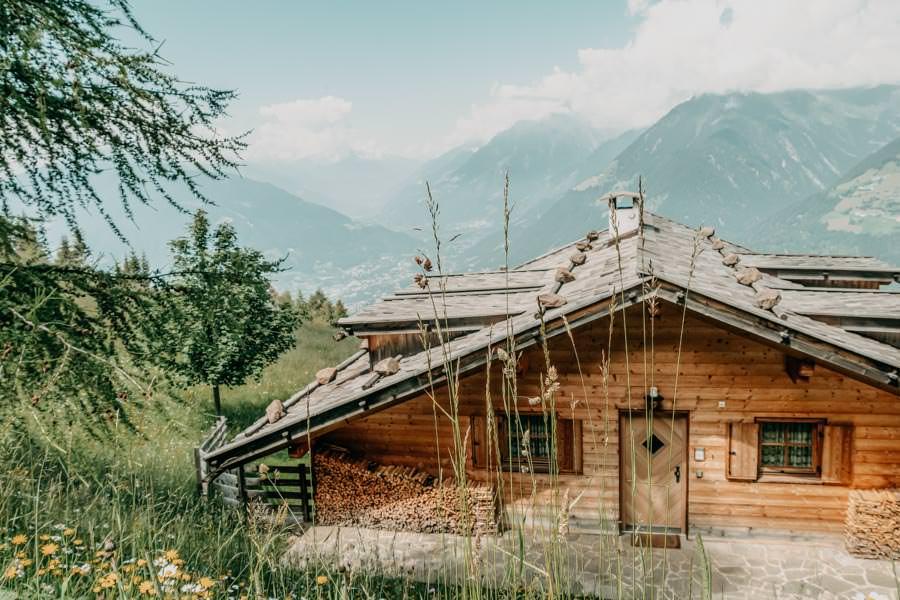 Wanderung zur Ifinger Huette in Suedtirol – Huette mit Aussicht