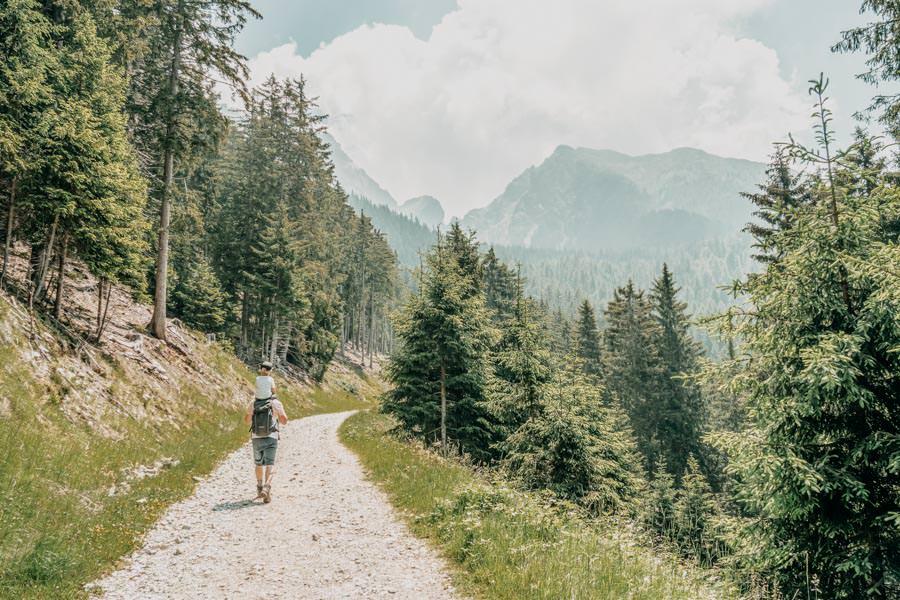 Familienfreundliche Wanderung zur Ifinger Hütte in Südtirol