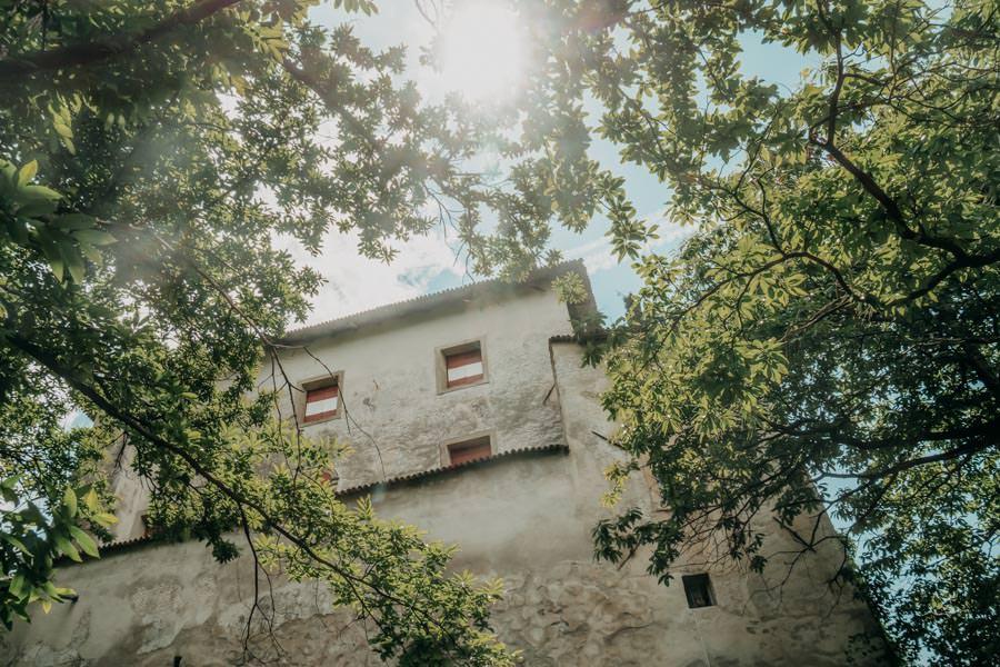Wanderung zum Thurnerhof Schenna ueber den Sagenweg 11