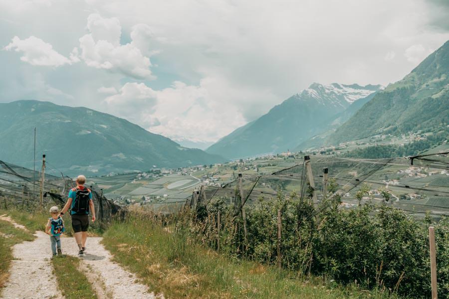 Wanderung zum Thurnerhof Schenna ueber den Sagenweg 28