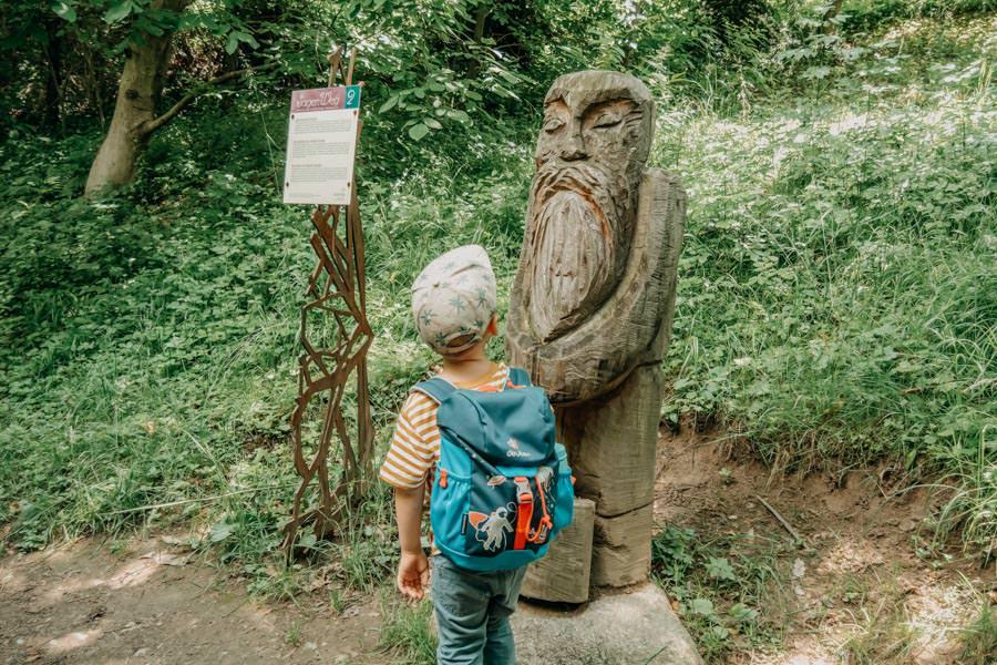 Wanderung zum Thurnerhof Schenna ueber den Sagenweg 7